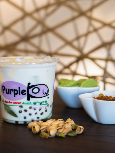 D10 Pistachio Iced Milk Drink with Matcha Pudding and Golden Boba