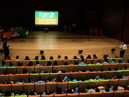 Los jóvenes de Chía recibieron un mensaje inspirador de la FSI en la feria universitaria