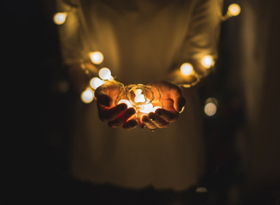 4 Cool ways to decorate your room with fairy lights