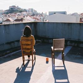 1. Catarina-mit-Stuhl.jpg