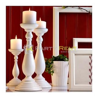 candiles blancos con vela