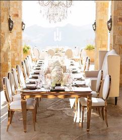 Renta sillas y mesas paris rose gold
