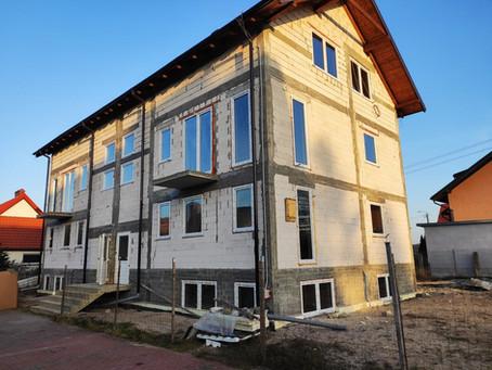Montaż kotła na pellet w pensjonacie w Kątach Rybackich.