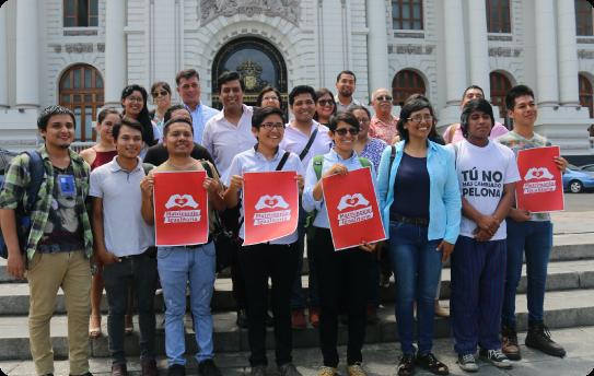 Activistas presentando el proyecto de Matrimonio igualitario en el congreso