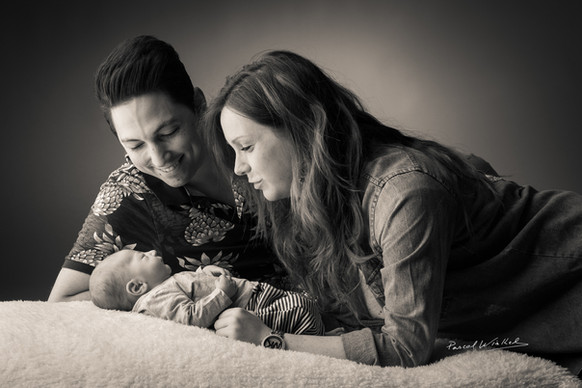 portrait de nouveau-né avec ses parents