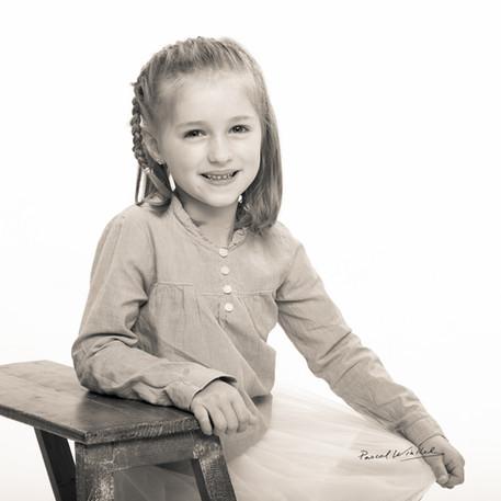 Portrait d'enfant en studio