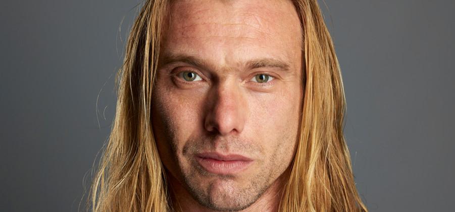Mike Walter as Macduff