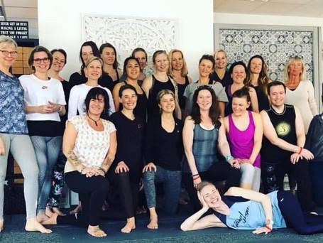 Global Yoga 100h