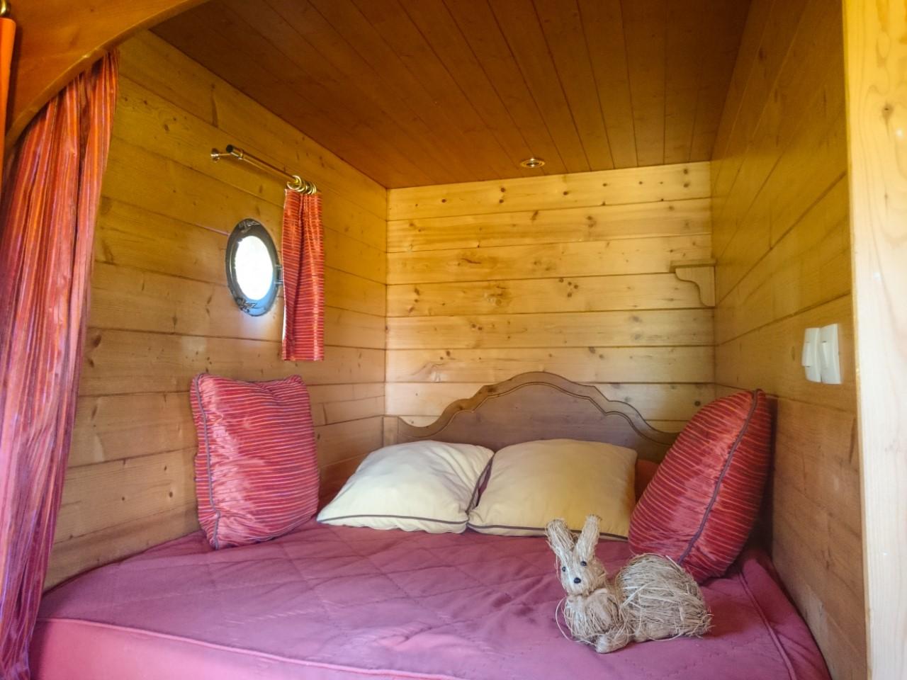 Roulotte Bouton d'or lit en alcove