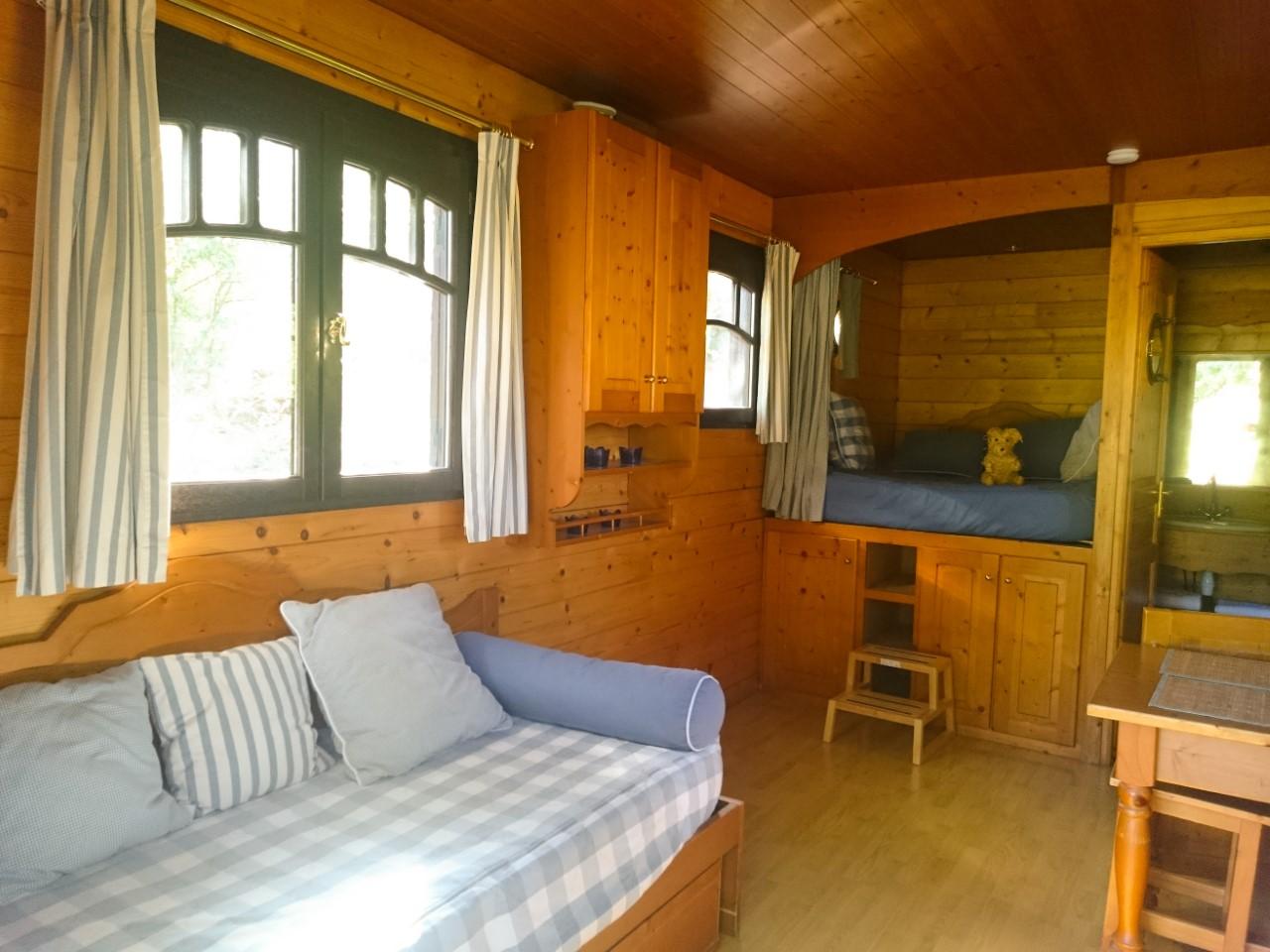 Roulotte bleuet intérieur, location
