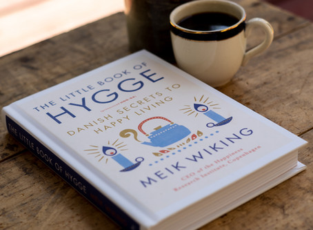 The Little Book of Hygge (Danish Secrets to Happy Living)