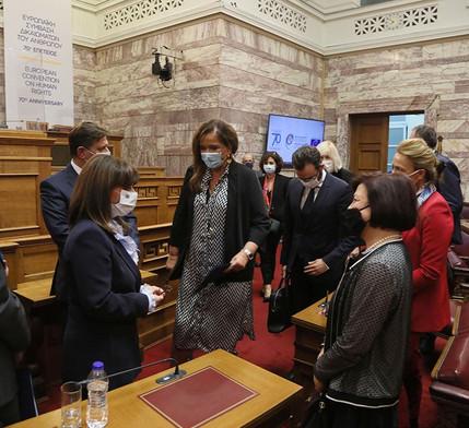 Συμμετοχή στην αναμνηστική τελετή για την 70η επέτειο της Ευρωπαϊκής Σύμβασης  Δικαιωμάτων του Ανθρώπου, με την Πρόεδρο της Ελληνικής Δημοκρατίας, τον Πρόεδρο της Επιτροπής Υπουργών και Αναπληρωτή Υπουργό Εξωτερικών της Ελληνικής Δημοκρατίας, την Επικεφαλής της Ελληνικής Αντιπροσωπείας στην Κοινοβουλευτική Συνέλευση του Συμβουλίου της Ευρώπης, τη Γενική Γραμματέα του Συμβουλίου της Ευρώπης, τον Πρόεδρο του Ευρωπαϊκού Δικαστηρίου Ανθρωπίνων Δικαιωμάτων και την Επίτροπο για τα Ανθρώπινα Δικαιώματα, στο Ελληνικό Κοινοβούλιο, στις 4 Νοεμβρίου 2020.