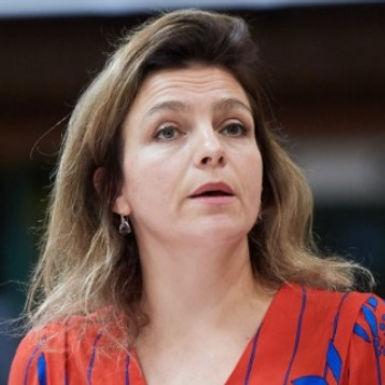 Ms Rósa Björk BRYNJÓLFSDÓTTIR