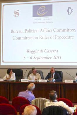 Συνάντηση της Επιτροπής Πολιτικών Υποθέσεων, υπό την προεδρία του Bjorn von Sydow, στην Καζέρτα (Ιταλία), με τη συμμετοχή του Προέδρου της Ολομέλειας Mevlüt Çavuşoğlu, τον Σεπτέμβριο του 2011.