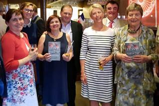"""Avec Baronne Doreen Massey et d'autres membres de l'APCE, fêtant la publication du livre de Doreen Massey, """"Love and Death in Shaghai"""", à Strasbourg, juin 2018"""