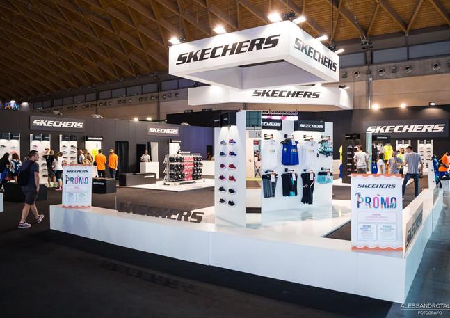 Allestimento GLSAdvice STand Personalizzato 1000 mq Skechers_Rimini Wellness