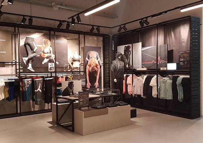 GLSAdvice Allestimento Store Adidas Mondo Juve Vinovo Torino