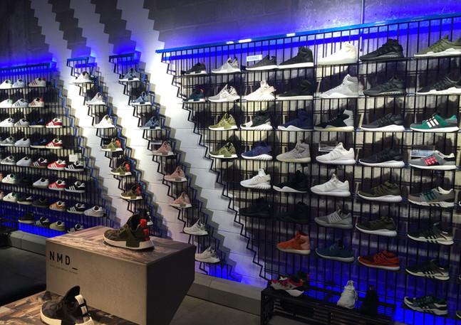 Allestimento GLSAdvice Flagship Store Adidas Milano via Toqueville