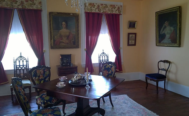 Hollingsworth House Family Parlor