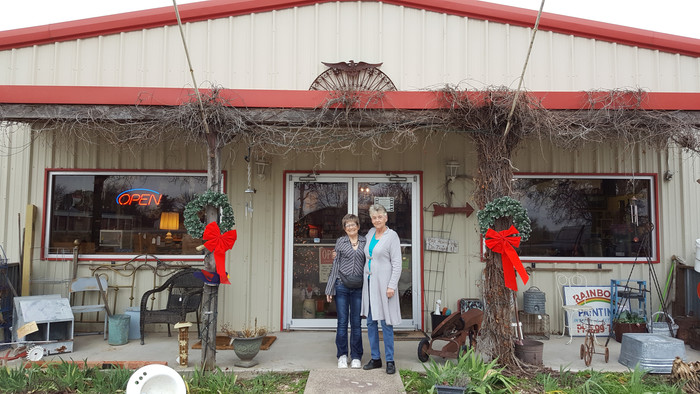 We just stopped at American Country Antiques in Rainbow, Texas near Glenrose.  I didn't even kno