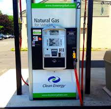 תדלוק רכבים בגז טבעי בישראל מול העולם