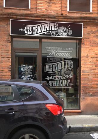 tricopathes-affiche-vitrine-boutique-stickers, koxintox graphiste illustrateur à Lisle sur Tarn, Caroline Pillet,création logo,illustration