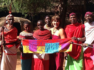 Toni Rubio with women in Kenya