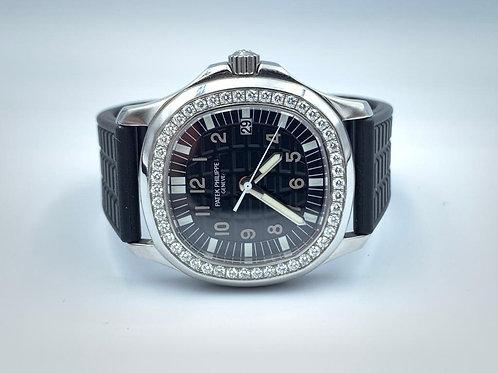 Patek Philippe Aquanaut steel diamond bezel 35mm in excellent condition with box