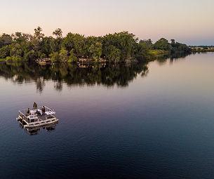 xugana-island-lodge-barge-dinner-21.jpg
