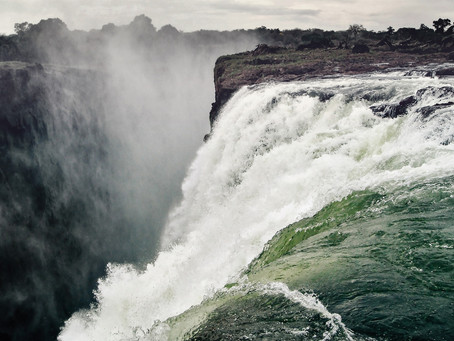 Zimbabwe extends Victoria Falls viewing time