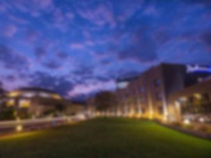 LUNZH-gallery-radisson-blu-by-night.jpg