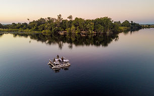 xugana-island-lodge-barge-dinner-21.jpg