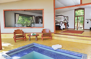 pb_safari_tent_-_with_plunge_pool.jpg