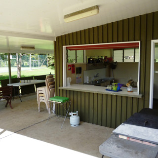 Shared kitchen & BBQ area
