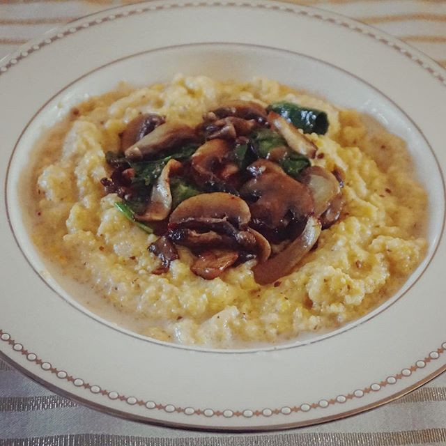 creamy polenta with mushrooms and spinach, a healthy plant- based savory breakfast!