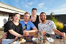 Gruppenfoto von Gästen eines Grillkurses für Social Media