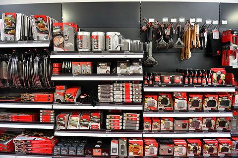 Aufnahme aus der Ausstellung des Grillforum VALENTIN mit verschiedenen Produkten