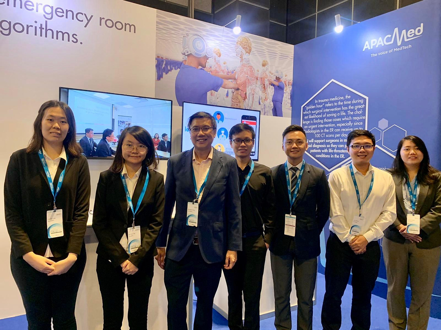 Team Iota Medtech at the Asia Pacific MedTech Forum 2019