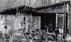 kids-chopping-wood-227