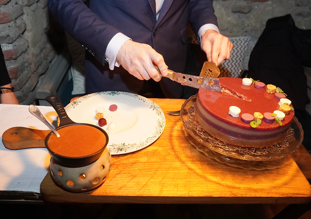 Le gâteau, génoise, fruits, raisin... © Fabrice Roy