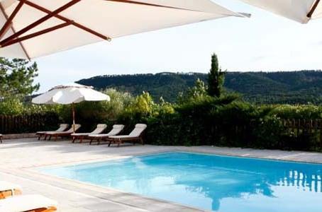 L'été s'installe à l'Hostellerie et à la Bastide...