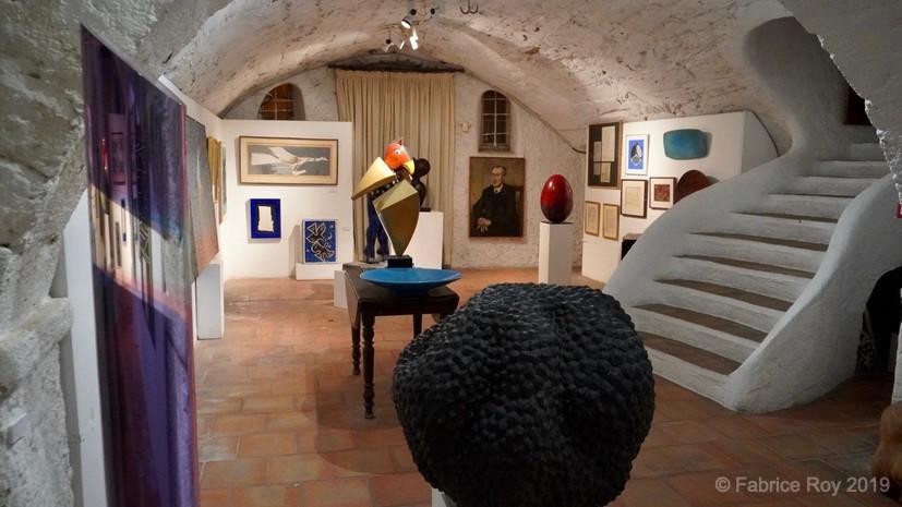 Une partie de la galerie d'art. Braque, Vasarely, Coville, et tant d'autres...