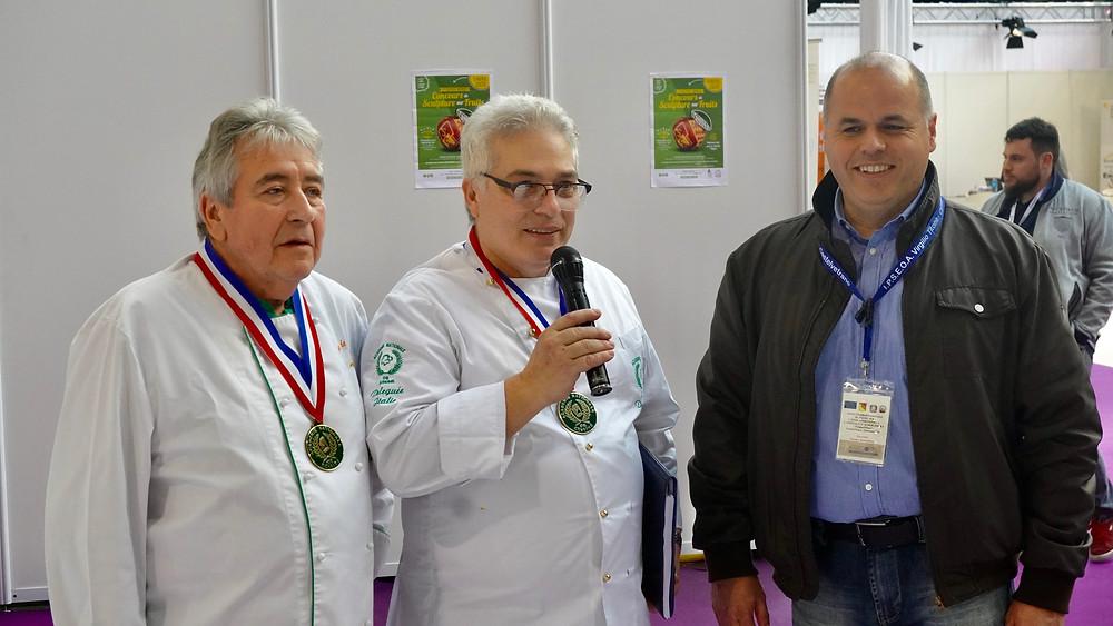 Michel Jocaille, Président de la Délégation Côte d'Azur, Ivano Bardella, Président de la Délégation pour l'Italie de l'Académie Nationale de Cuisine, Romeo Benedetto, Professeur à IPSEOA. © Fabrice Roy