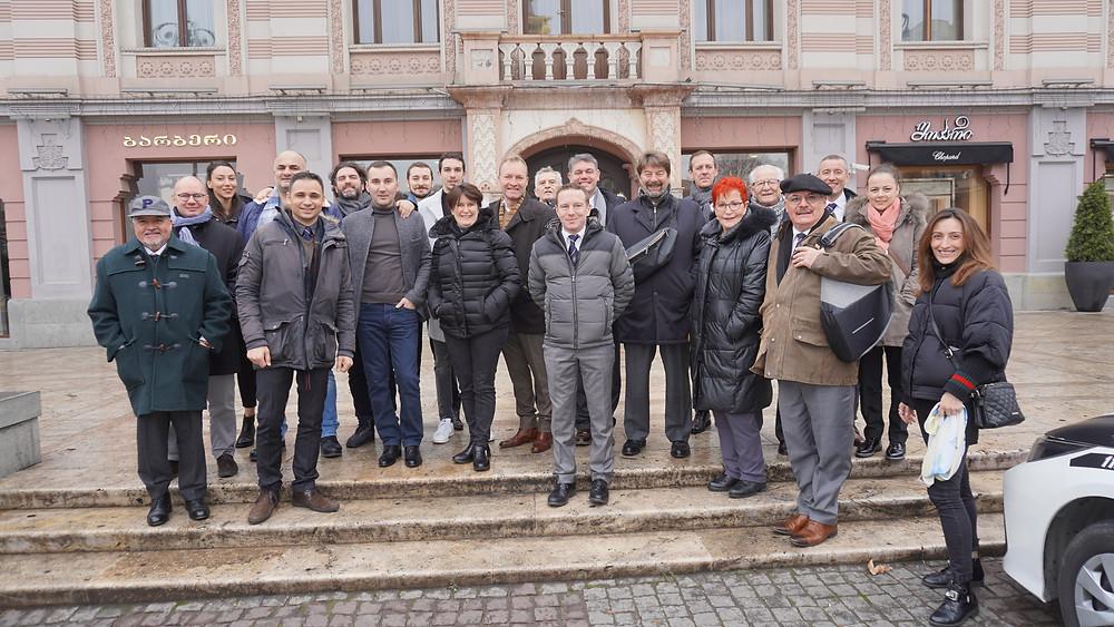 Une délégation prête à découvrir les richesses de Tbilissi. © Fabrice Roy