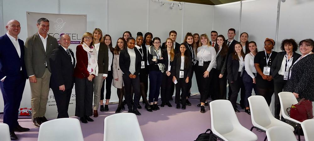 Les orateurs et les élèves de la classe 2TST2 BTS Tourisme du Lycée Hôtelier Paul Augier de Nice. © Fabrice Roy
