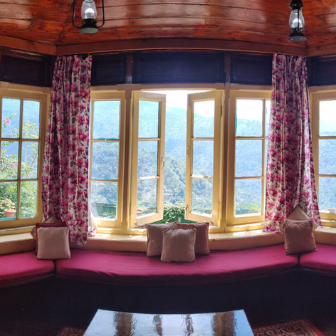 King Suite With Mountain View