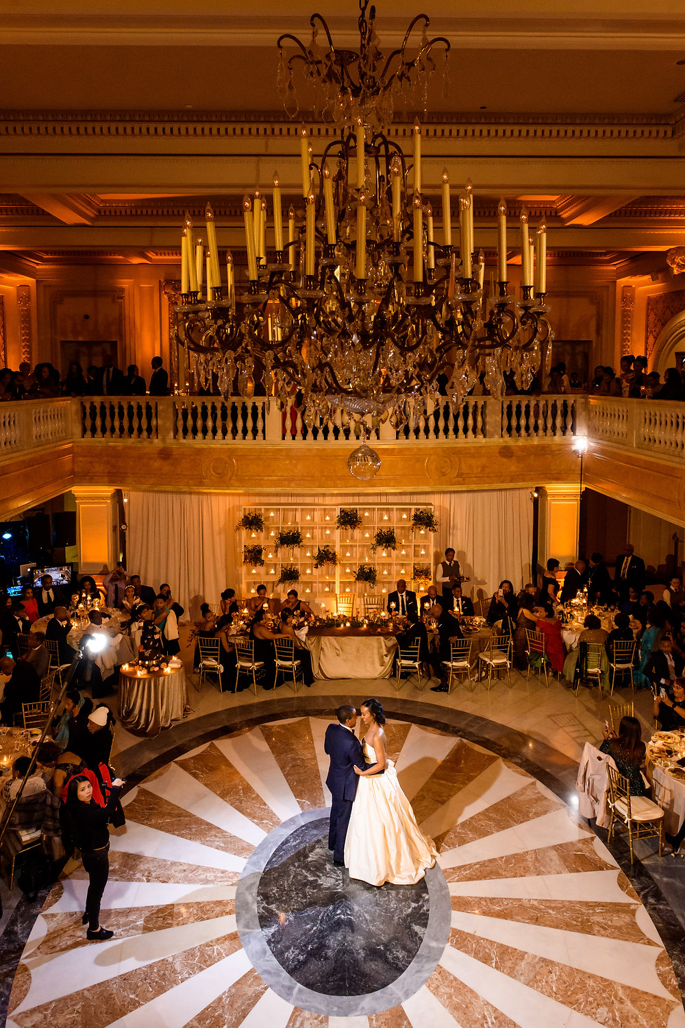 Couple dancing at The National Museum of Women in the Arts wedding venue