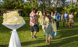 Guest lei welcome by Grace Weddings