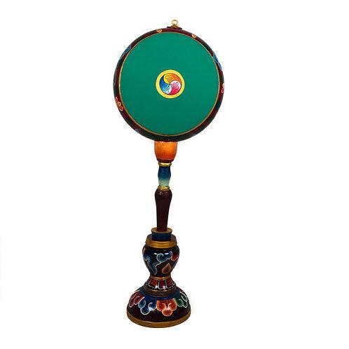 手鼓/ 修法法鼓 附鼓槌 (小) Big Drum with Handle & Stand (S) 鼓面直徑22.5-25cm 總長(含底座) 約75cm