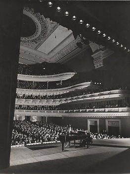 gjon-mili-singer-marian-anderson-performing-for-an-audience-at-carnegie-hall.jpg